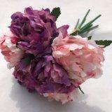 신부 꽃다발 결혼식 꽃 다색 색깔이 인공적인 Hydrangea 꽃에 의하여 꽃이 핀다