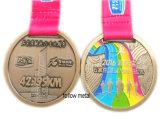 Изготовленный на заказ медаль для спорта марафона с заливкой формы, двойными сторонами