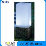 Lumière carrée solaire de poteau d'amarrage de lampe solaire de pilier avec la base de rotin