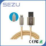 Usine directement 2 en 1 câble de caractéristiques multi flexible de chargeur du câble de caractéristiques USB pour l'androïde et l'iPhone (or)