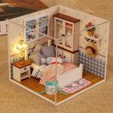 Chambre de poupée heureuse en bois de jouets de gosses de jouets d'enfants grande