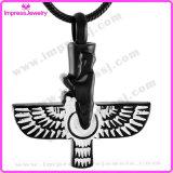 De Halsbanden van de urn voor de As Opgepoetste Tegenhanger Ijd9693 van Vleugels