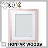 Preiswerterer Kiefernholz-Abbildung-Foto-Rahmen mit weißer Matte