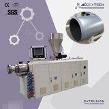 Extrusora Machine-65/132 expulsando da tubulação plástica do PVC