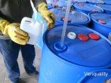 Campione materiale chimico che prendono e prova di laboratorio