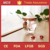 Taza de cristal del vaso del agua de la pared doble al por mayor con la tapa de bambú