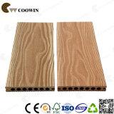 China-Lieferant änderte 2017 WPC synthetischen das Sandelholz-HolzDecking