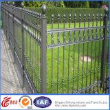 Três cercas galvanizadas trilho do ferro feito