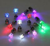 새로운 휴일과 당을%s 귀걸이 장식 못을 빛나는 LED 귀걸이를 불이 켜지십시오