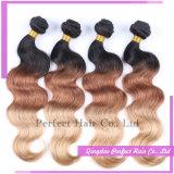 ブラジルの毛の織り方のブロンドの女性およびブラウンの人間の毛髪の織り方