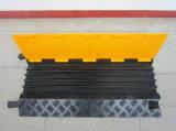 5 Channle Yelowおよび黒いゴム製ケーブルの保護装置