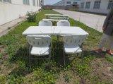 Tableau se pliant en plastique extérieur moderne de jardin des meubles 5ft de vente bon marché avec 4 ensembles de chaises