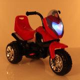 Motocicleta eléctrica vendedora caliente del triciclo de la buena rueda de los cabritos 3