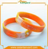 La fabbricazione progetta il Wristband per il cliente del silicone