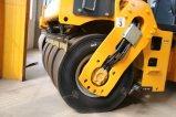 6 톤 Jm206h 가득 차있는 유압 타이어에 의하여 결합되는 진동하는 롤러
