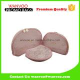 Sac en nylon de produit de beauté de tirette de maille de boulette rose