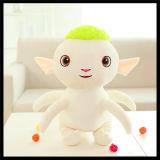 Le bébé badine la poupée animale de jouet de singe de chien de chat de peluche velue