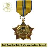 médaille 3D avec des cristaux (pierres) et une chaîne
