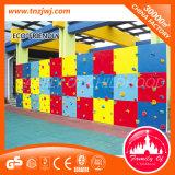 Cour de jeu extérieure de mur d'escalade de jouets de type neuf pour des enfants en bas âge