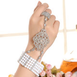 Armband van de Legering van het Zink van het Bergkristal van CZ van de manier de Goud Geplateerde en de Vastgestelde Armband van de Ring