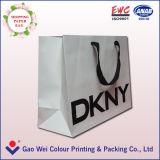Crear la bolsa de papel para requisitos particulares blanca impresa de Kraft que hace compras