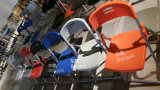 Cadeira plástica de dobramento prática barata da conferência com frame de aço