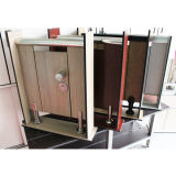 De goedkope Commerciële Cellen van het Toilet van de Badkamers met de Reeksen van Toebehoren