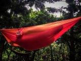 휴대용 낙하산 나일론 직물 여행 야영 해먹 옥외 가구를 전송한다