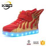 In het groot Modieuze LEIDENE Schoenen voor Kinderen van Jinjiang Fabriek, de Schoenen van Jonge geitjes