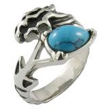 Cráneo/motorista con el anillo de la piedra de la turquesa de la configuración de la barra