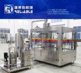 El PLC controla la máquina de rellenar comercial del agua de soda de la botella