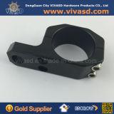 El negro de aluminio anodiza las abrazaderas que trabajan a máquina del CNC de las piezas