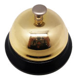 多彩な塗られたベースが付いている金カバーのディナーベル