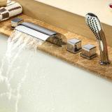 Mélangeur en laiton de taraud de robinet de baignoire de PCS du corps 5 de qualité