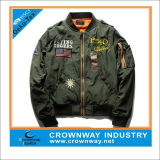 Куртка бомбардировщика пилота способа Twill хлопка с изготовленный на заказ вышивкой