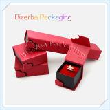 Caixa de presente luxuosa do anel do cartão colorido com seda