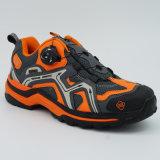 Новые ботинки напольных спортов хорошего качества конструкции Hiking ботинки поворачивая пряжку