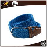 スポーツ・ウェアのための方法によって編まれる伸縮性があるロープ編みこみのベルト
