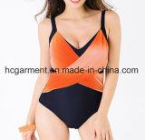 Grande costume da bagno per la signora, usura di un pezzo di nuoto di Più-Formato