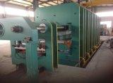 ゴム製シートのコンベヤーベルトの油圧加硫装置機械