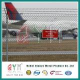 Flughafen-Widerhaken-Draht-Zaun/überzogener Kurbelgehäuse-Belüftung galvanisierter Kettenlink-Zaun
