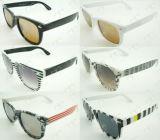Óculos de sol de venda quentes do teste padrão colorido novo UV400 Wayfarar (20131)