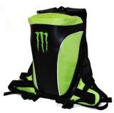 O curso da motocicleta de Camelpack da energia do monstro ostenta a trouxa do saco