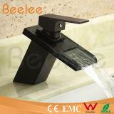 Mélangeur simple Ql140418b de robinet d'eau de bassin de poignée de nouvelle basse d'arc de noir de corps rond chute d'eau en verre Tempered