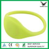2015 Wristband poco costoso del silicone RFID di vendita calda