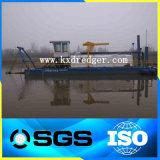 Fluss-Sand-Bagger und ausbaggerndes Boot