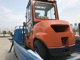 Behälter, der den 3 Tonnen-Dieselgabelstapler mit Kabine anhebt