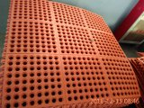 Entwässerung-blockierende Gummibodenbelag-Matten