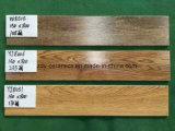 Mattonelle di pavimento di legno di ceramica calde del materiale da costruzione di vendita di Foshan