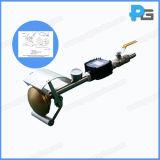 L'appareil de contrôle Ipx3 imperméable à l'eau tenu dans la main branche au circuit principal de fournisseur de l'eau